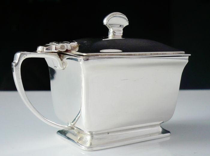 Immaculate Art Deco Silver Mustard Pot with Glass Liner, Birmingham 1942, Adie Brothers Ltd