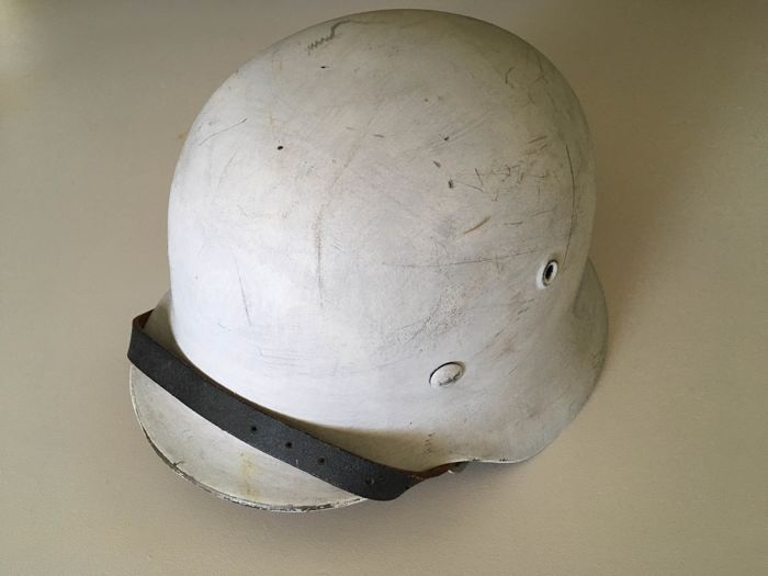 German M38 helmet (refurbished- only the pot is original) - Catawiki