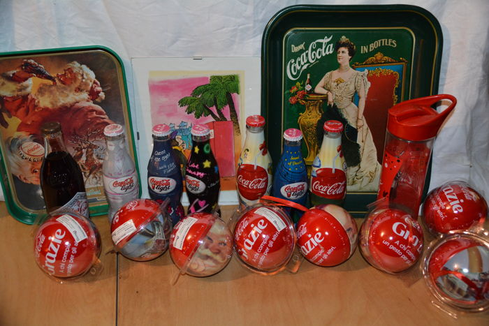 Lot of 19 Coca Cola objects for collectors