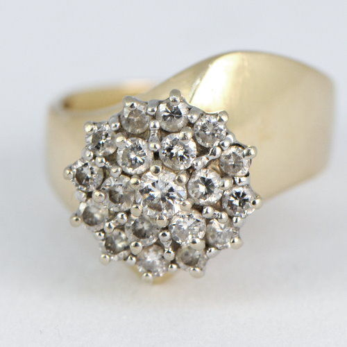585 yellow gold ring with approx. 1 ct of diamonds - NO RESERVE