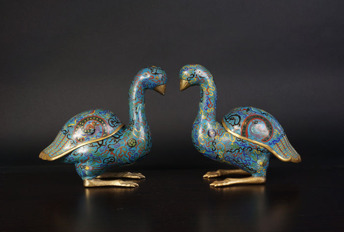 A pair of cloisonné swan perfume holders - China - early 20th century