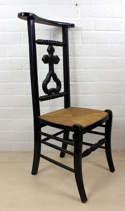 Blackened oak antique church chair with wicker seat - Blackened Oak Antique Church Chair With Wicker Seat - Catawiki