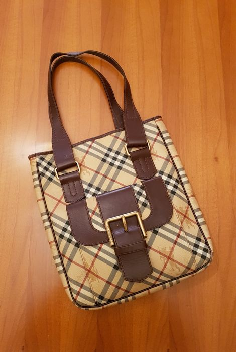 Burberry London  shoulder bag  Made in Italy - Catawiki 63c698ca22d7b