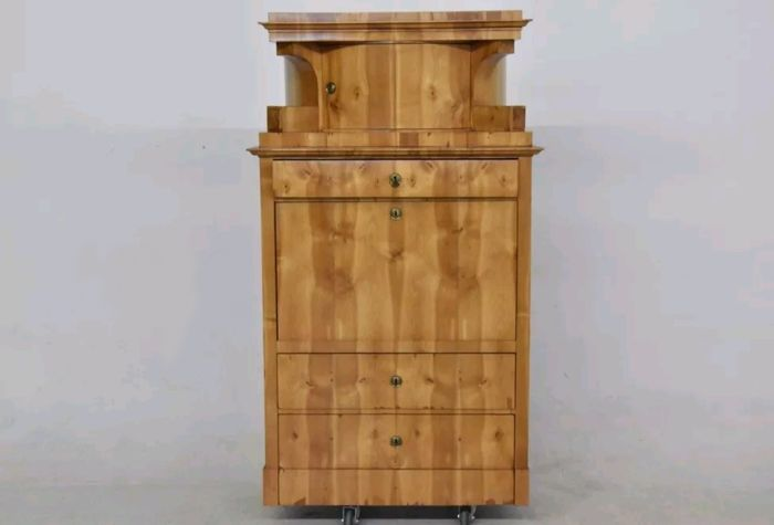 North German Biedermeier bureau with top part made of birch, North Germany, circa 1830