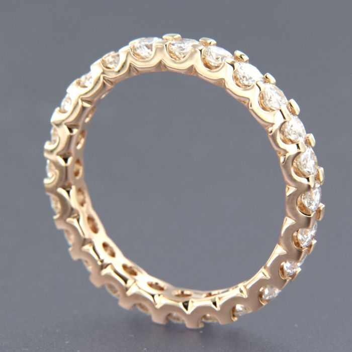 14 kt rose gold full eternity ring set with 24 brilliant cut diamonds, approx. 2.15 carat in total - ring size 19 (60)