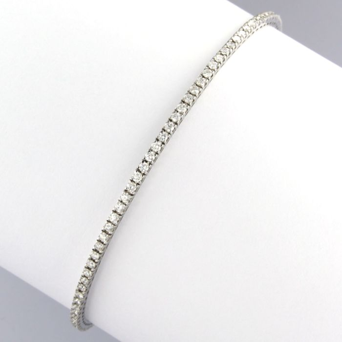 - no reserve price - 18 kt white gold bracelet set with brilliant cut diamonds approx. 1.35 carat in total