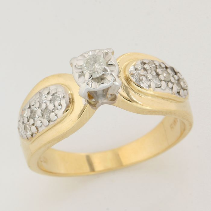14kt Yellow gold ring with 0.25ct round brilliant cut diamonds; Ring size: 6.5