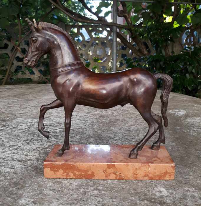 Bronze sculpture unicorn horse - signed F. De Luca - Italy - first half of the 20th century
