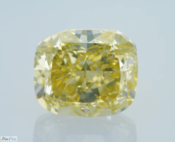 4.02 Carat Fancy Light Brownish Yellow VS1 GIA Certificate included