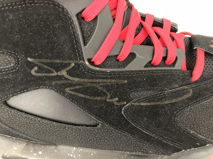 Shaquille O'Neal signed Reebok Game Issue Not Worn Shoe