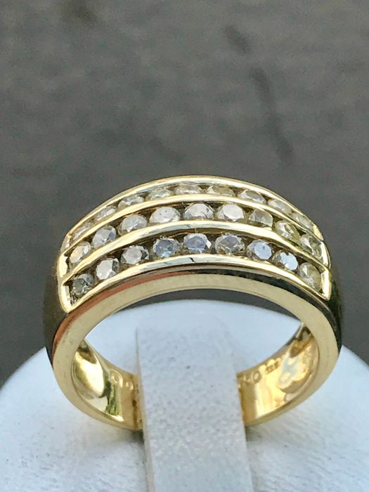 18 kt yellow gold ring set with diamonds of 1.10 ct Ring size: 54 - 17.5 mm