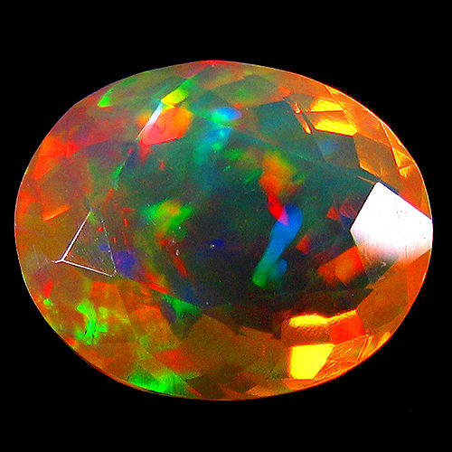 Crystal Opal - 4.07 Carat - Light Yellow, Play of colors