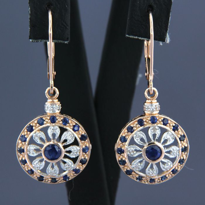 - no reserve price - 14 kt bi-colour gold dangle earrings set with sapphire and diamond, approx. 0.16 ct in total