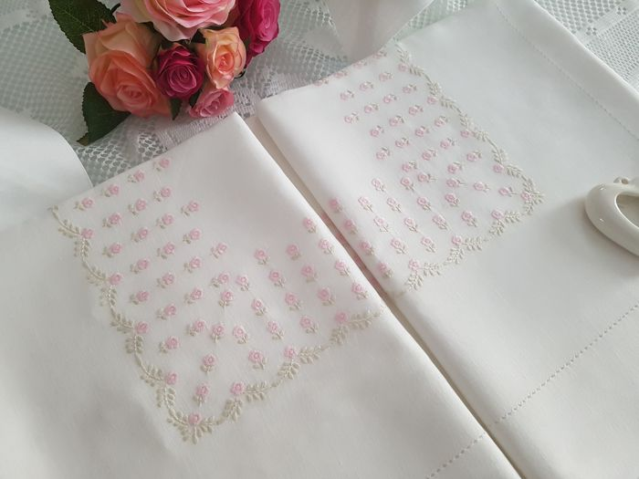 Spectacular double sheet in pure 100% linen with full stitch embroidery by hand - Linen