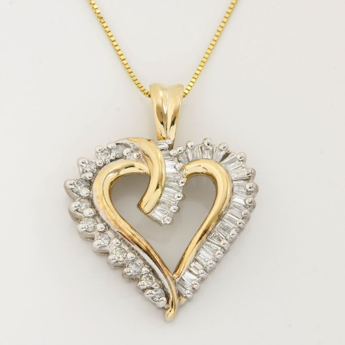 14kt Yellow Gold 0.50ct Round Brilliant & Baguette Diamond Heart Necklace