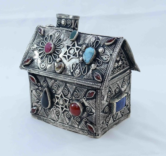 A silver charity box - Tzedakah - Synagogue design -  mounted with semi-precious gemstones and filigree - Turkemenistan - ca. 1930's