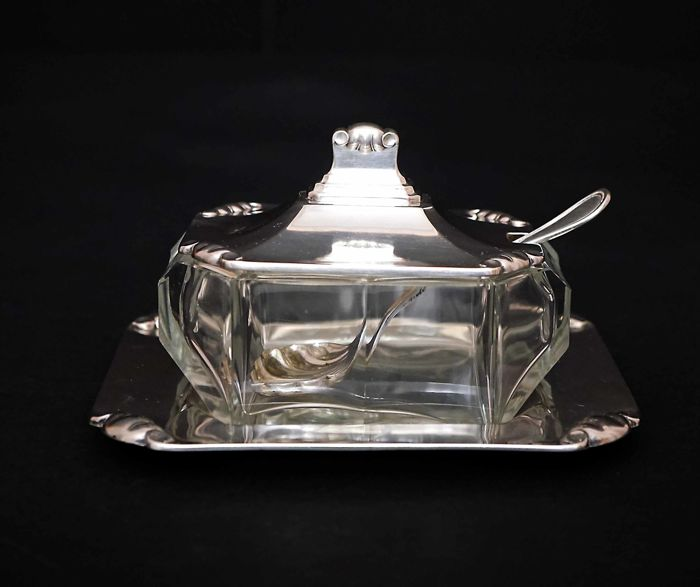 Silver bowl for parmesan cheese, Italy 20th c.