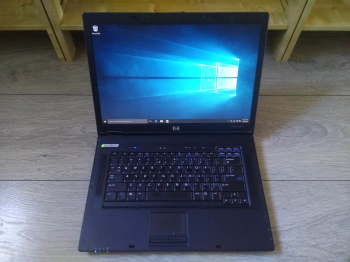 HP nx7400 business notebook - Intel Core Duo 1.66 Ghz, 1GB RAM, 80GB HDD, DVD-RW, Windows 10 - with charger