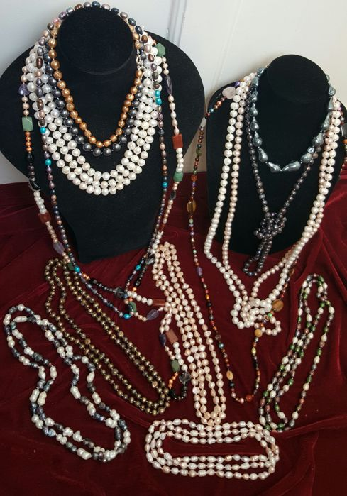 Collection of 15 necklaces of cultured freshwater pearls - new, unused