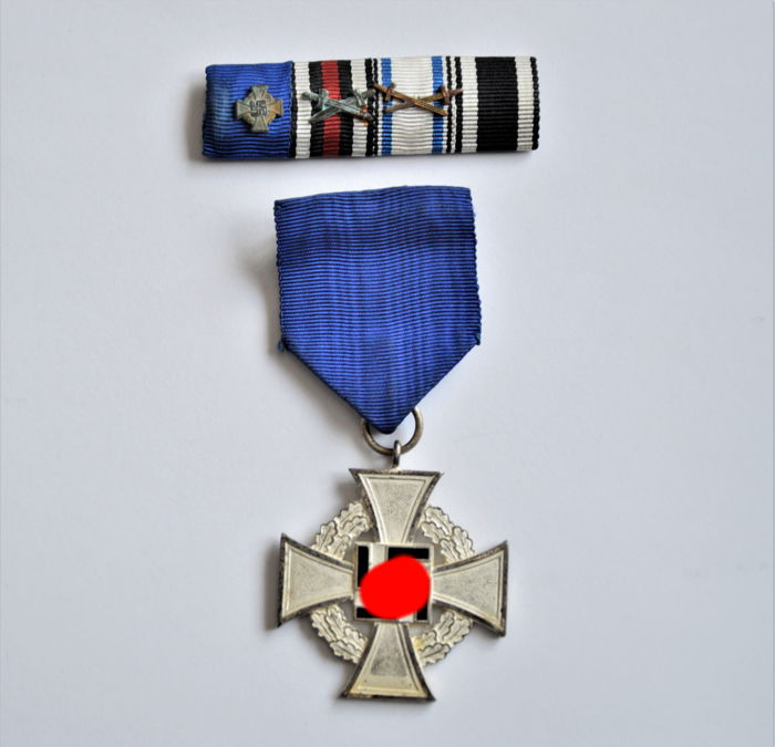 Faithful Service Honour Badge in silver and 5-ribbon clasp - Catawiki