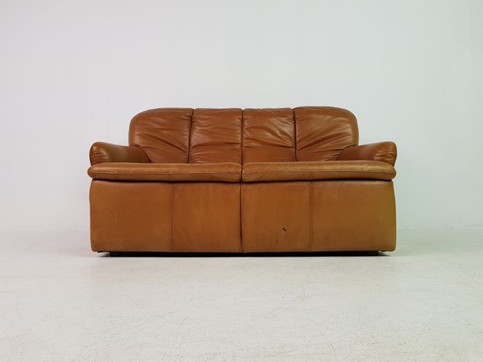 Manufacturer Unknown Luxuriously Designed Vintage 2 Seater Sofa In Cognac Leather Catawiki