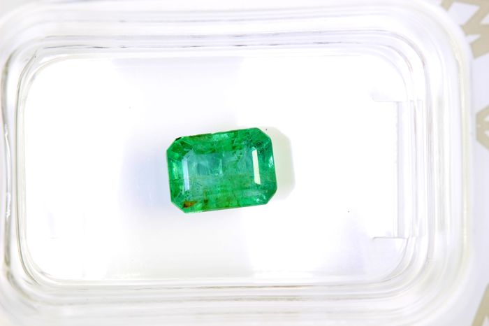 AIG Antwerp Sealed - Emerald - 1.11 ct - INTENSE Green - Fine Color Quality
