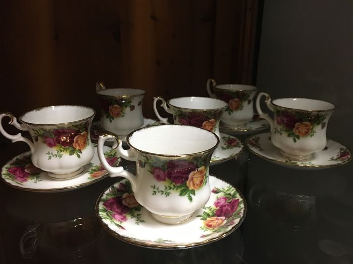 Royal Albert - Lot of 6 cups 'Old Country Roses'