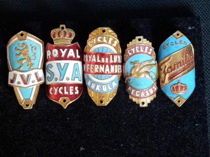 Collection of Nice Enamel Bicycle Head Badges, Balhoofdplaatjes. with some Rare oa - Pegasus Cycles en andere