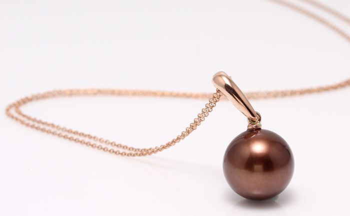 Lustrous Chocolate Brown Tahitian Pearl Crafted in 14K Rose Gold - NO RESERVE PRICE