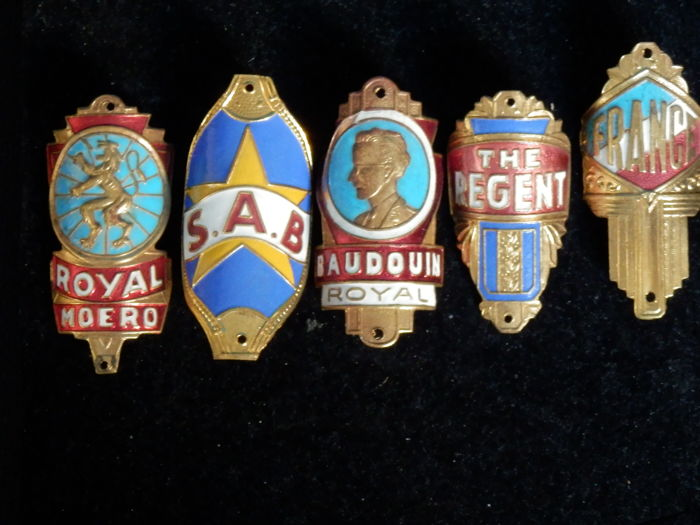 Collection of Nice Enamel Bicycle Head Badges, Balhoofdplaatjes. with some Rare oa - Baudouin en andere