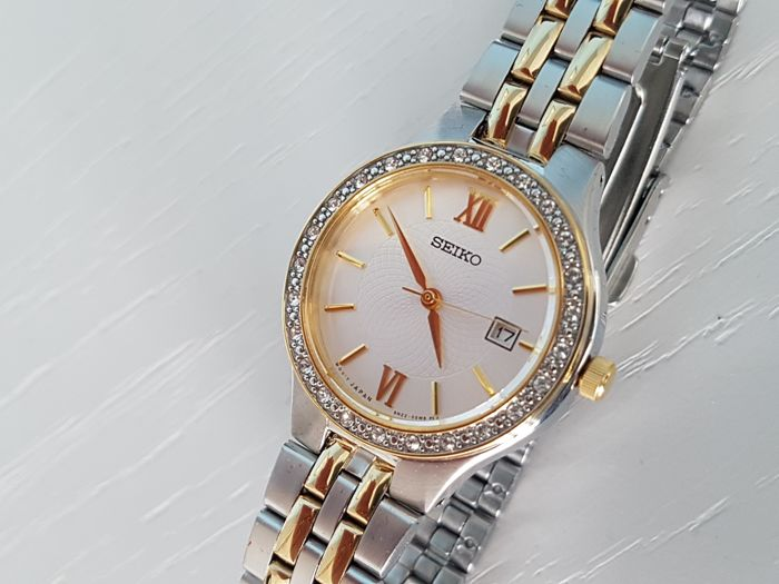 Seiko -  lady dress watch with Swarovski Crystals  - Dames - 2018