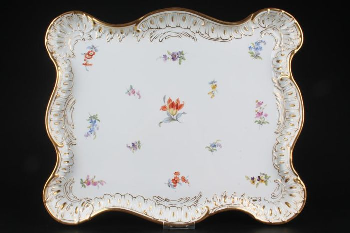 """Meissen - enormous plate tray 1st choice """"46.5 x 38.5"""" with painting of scattered flowers, gold painted"""