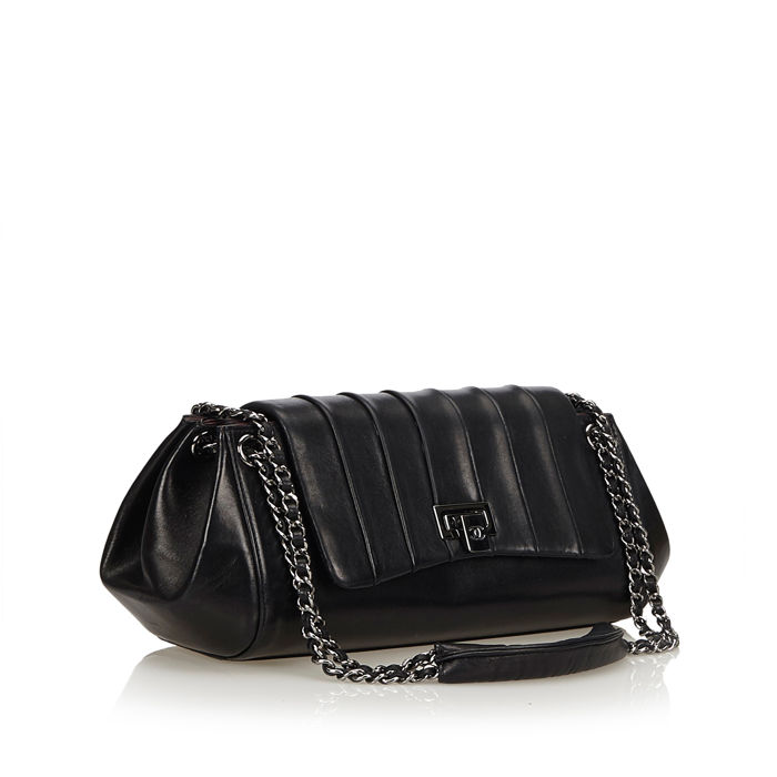 202c66855adc Chanel - Mademoiselle Ligne Flap Bag - Catawiki