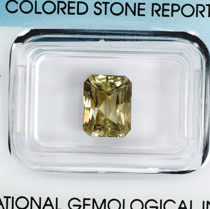 Colour Changing Diaspore - 3.25 ct