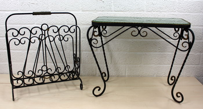 Etonnant Retro Wrought Iron Side Table With Green Glass Top And Matching Magazine  Rack