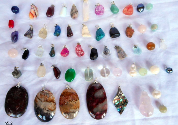 Semi-precious Stone and Mineral pendants - 0,6 to 52 mm - 216 g - (54 pc)
