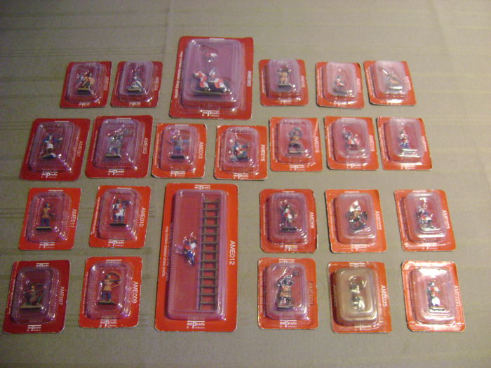 "24 lead and tin del prado ""middle ages"" figures 1/72"
