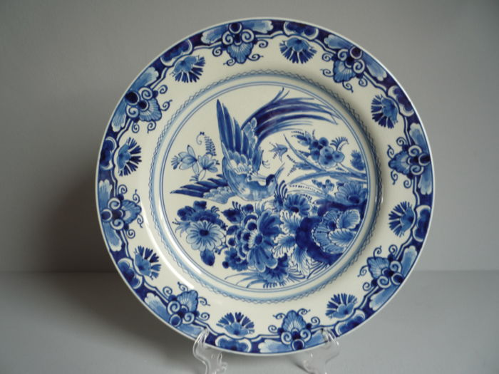 De Porceleyne Fles - Large plate with floral decor