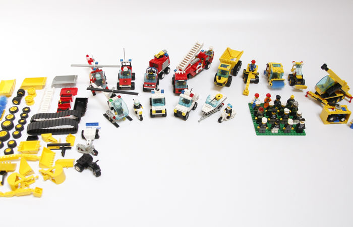 Assorti - 10 Classic Town sets - Fire & Construction & Police + onderdelen
