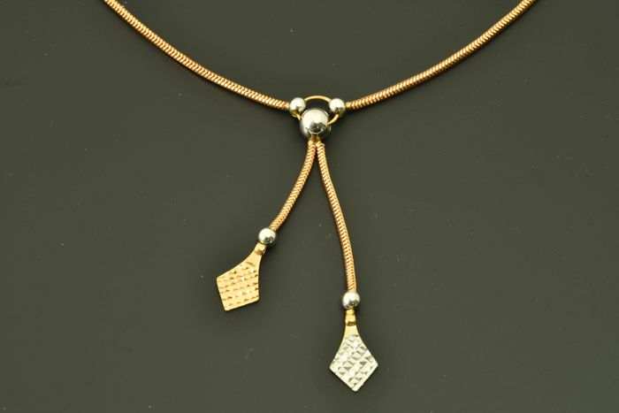 14 kt gold. Necklace. Length: 45 cm.