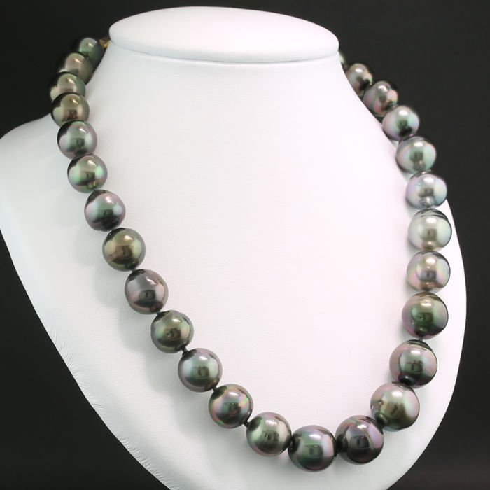 Anthracite grey Tahitian pearl necklace, 12.1 - 15.0 mm, spherical clasp in 585 yellow gold --- no reserve! ---
