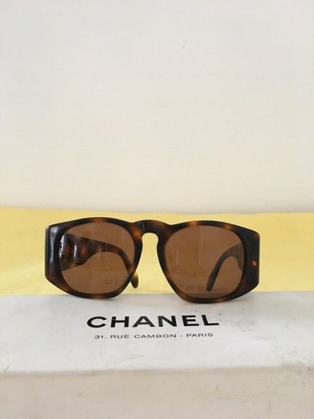 93b3b6ab5ff8f Chanel Sunglasses - Vintage - Catawiki
