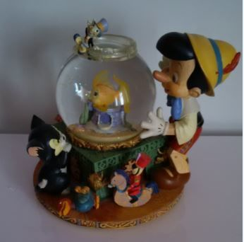 Disney - Musical Snow Globe - Pinocchio and Cleo - Other