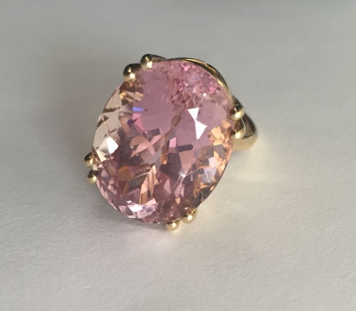 14k Gold ring with Kunzite - Size N/O