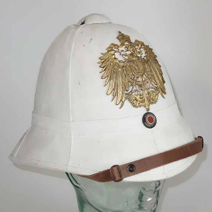 Imperial pith helmet around 1900