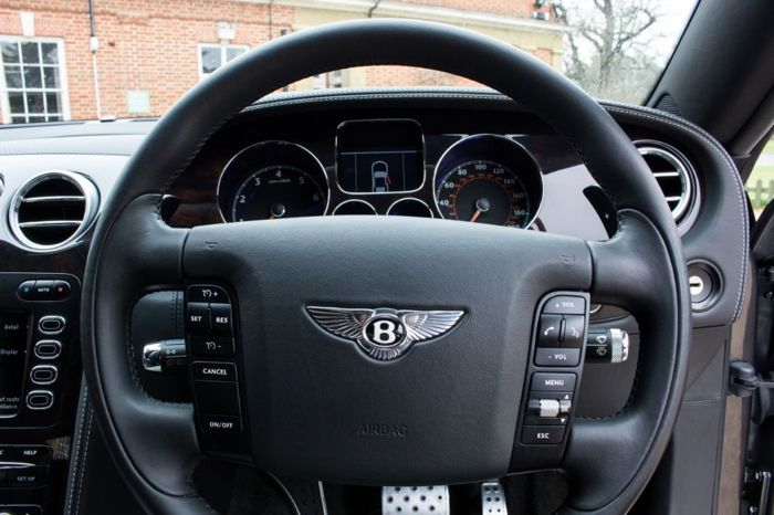Pièces - Bentley Continental GT Steering wheel & Airbag - 2007 (1 objets)