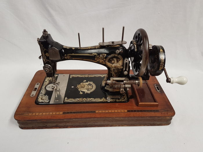 Kayser sewing machine with wooden dust cover numbered and with Gorgeous Original Sewing Machine