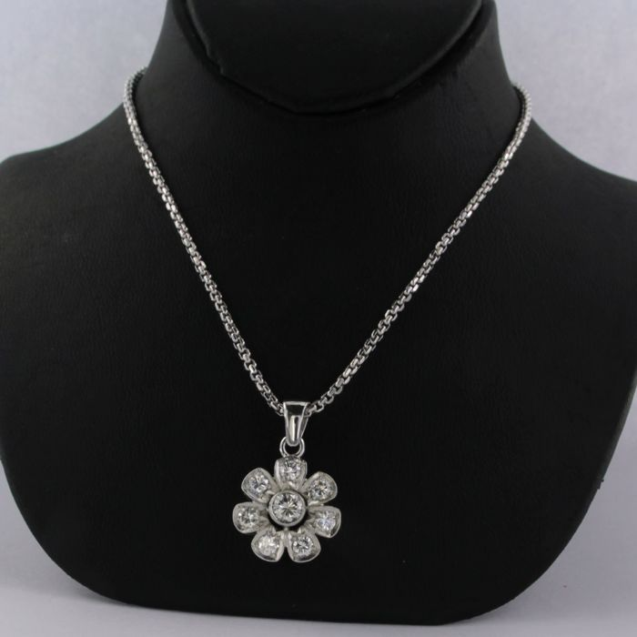 Necklace with pendant - White gold - No indication of treatment - 1.00 ct - Diamond