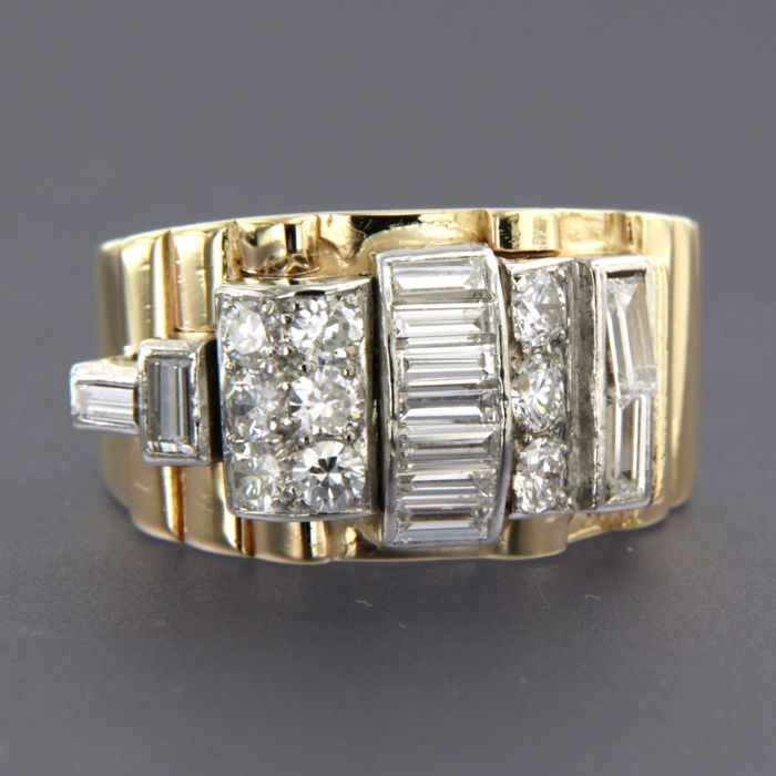 Retro bi-colour gold and platinum ring set with baguette and old European cut diamonds of approx. 2.15 ct in total