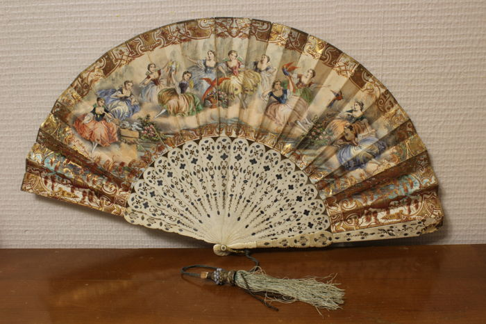 Fan made of bone, painted paper, France, 19th century